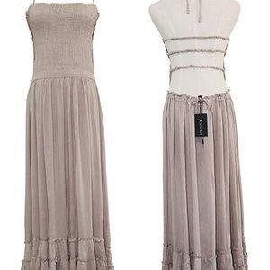 Dresses & Skirts - Boho backless dress